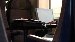 Laptop na vlak